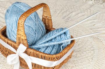 needle and wool