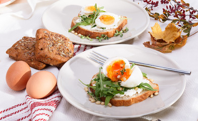 sandwiches with eggs