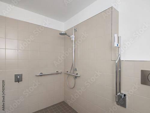 barrierefreie dusche bodengleiche bauen