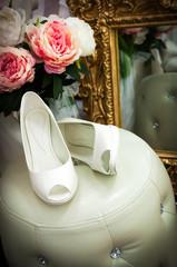Le scarpe della sposa in atelier