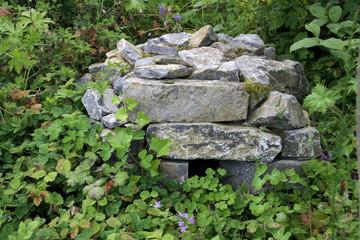 Igelhaus aus Steinen