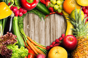 Poster de jardin Legume Vegetables and Fruit Heart Shaped