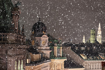 Photo sur Toile Vienne Vienna rooftops cityscape with snow