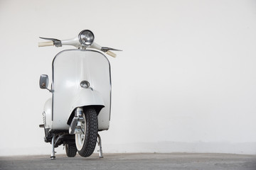 Tuinposter Scooter white scooter
