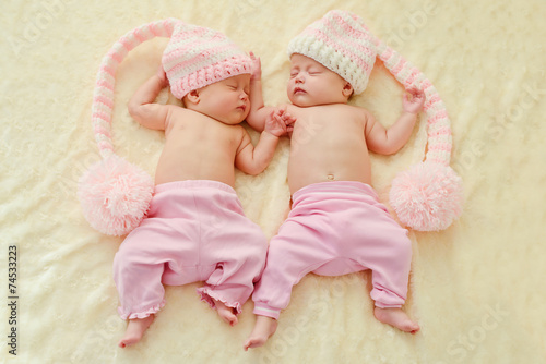 Обои на рабочий стол дети ангелочки близнецы