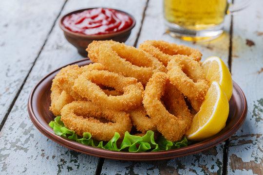 fried squid rings breaded with lemon