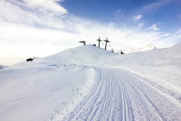 Wall Mural - Impianto di risalita e piste da sci