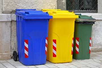 Recycling trash cans