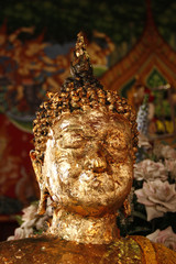 goldene Buddhastatue