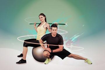 Homme et femme faisant des exercices de fitness