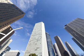 [東京都市風景]新宿高層ビル群を見上げる [超広角撮影]