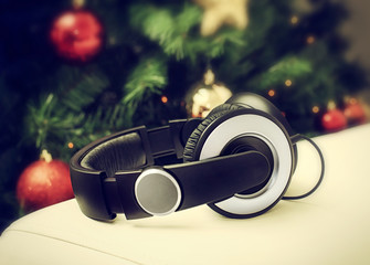 Headphones with christmas tree.