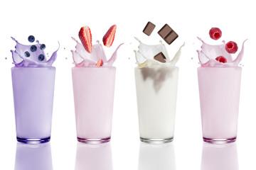 Foto auf Leinwand Milch / Milchshake Studio, Glas, Milchshake Variationen, Blaubeere