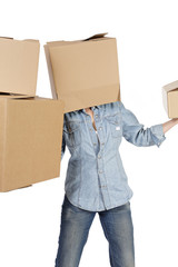 femme déménageant