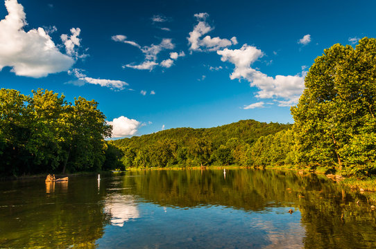 Looking north on the Shenandoah River from the Low Water Bridge,