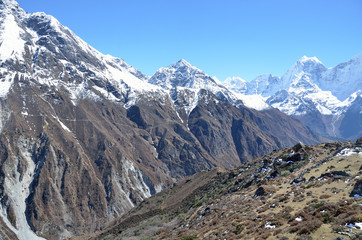 Непал, заснеженные вершины Гималаев