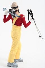 스튜디오에서 스키 타는 여성