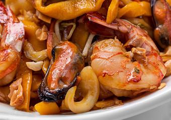 Shrimp mussel and egg noodle