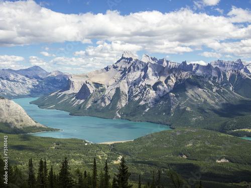 Fototapete Lake Minnewanka In The Canadian Rockies