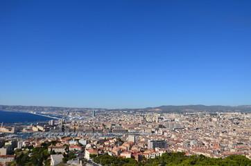 Vue de Marseille depuis la basilique ND de la Garde