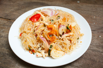 Spicy noodle salad or spicy vermicelli salad.
