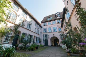 ruhiger Innenhof