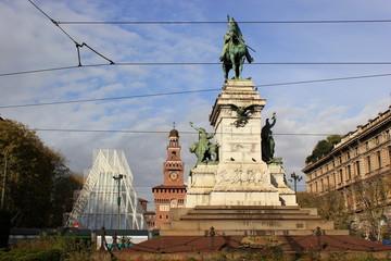 Die Garibaldi Statue vor dem Schloss Sforzesco in Mailand
