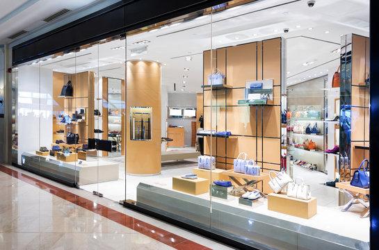 handbag retail fashion store