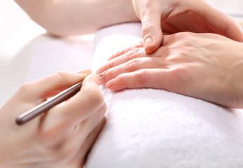 Pielęgnacja paznokci, nail bar