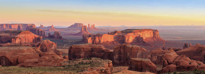 Hunts Mesa in Monument Valley, Arizona Fototapete
