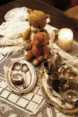 Mix of old silver and bronze dish and figurines