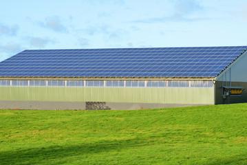 Stall mit Photovoltaik