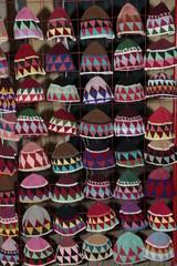 Gorros de ganchillo de colores.
