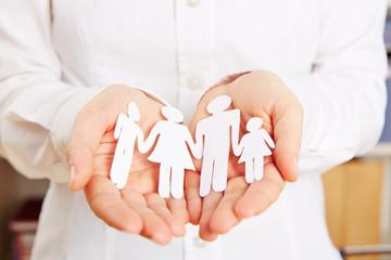 Familie sicher in den Händen