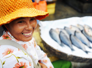 Indigenous Cambodian Woman Selling Fish Concept Fototapete