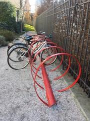 Rastrelliera per bici nel parco