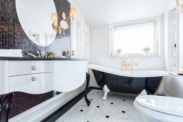 Black and white baroque bathroom