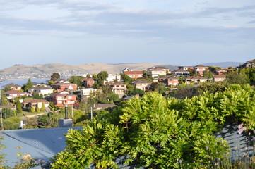 Poster de jardin Tunisie Australian family houses on the hills