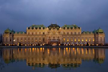 Keuken foto achterwand Wenen Schloss Belvedere at night in Vienna, Austria.