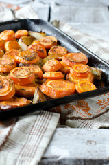 Carrots baked with onions