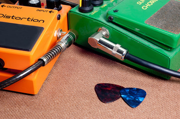 Effects  Guitar Orange & green with Cable guitar