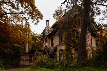 Keuken foto achterwand Oud Ziekenhuis Beelitz Beelitz Heilstätten im Herbst