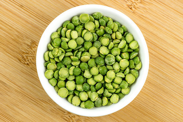 Green split peas in bowl