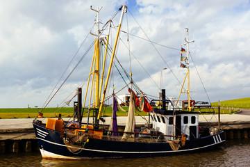 Krabbenkutter im Hafen von Wremen, Nordsee