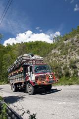 Überladener LKW, Haiti