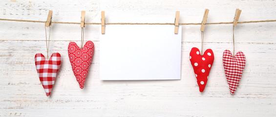 Herzen mit Papier