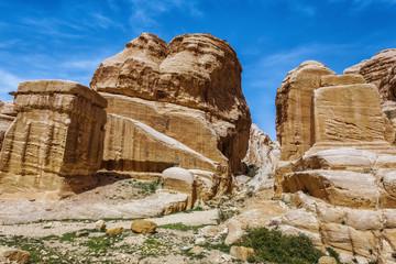 Jordan. Peter. Stone columns.