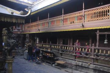 dans le golden temple de Patan