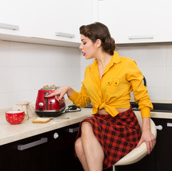 Stylish pin-up housewife