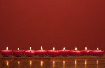 Fototapete - Romantic candles on table